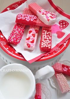 valentine cookies - strawberry sugar wafers dipped in white chocolate or colored candy melts and topped with holiday sprinkles. I'm gonna try these w/ the orange wafer cookies w/ chocolate dip & Halloween sprinkles! Valentines Day Food, Valentine Cookies, Valentine Party, Funny Valentine, Valentine Games, Valentine Stuff, Birthday Cookies, Candy Melts, Holiday Treats