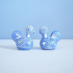 Vintage Pablo Zabal Blue and White Bird Rooster Figurine - Two Available Beth Moore, Etsy Shipping, Winter Garden, My Images, Chile, Rooster, I Am Awesome, Two By Two, Blue And White