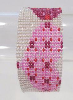 handmade three heart pattern beaded bracelet #Handmade #Beaded