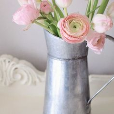 Next week is the first day of spring and I can't wait! One of my favorite, simple ways to decorate for spring is placing some fresh blooms into farmhouse style vases or vessels. On the blog, I'm sharing a round up of some cute, farmhouse vases and vessels all available on Amazon! Link in profile!