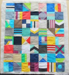 Zipper Teeth: Mixed Fabric Mini Quilt