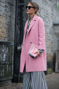 Pink and stripes, fall look, bold fall look, colorful outfit, statement coat, statement outfit, how to wear pink, how to wear stripeS, bold stripe outfit