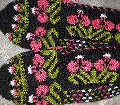 Moda Emo, Diy And Crafts, Crochet Patterns, Knitting, Creative, Jojo Siwa, Slippers, Youtube, Wedding Hair Styles
