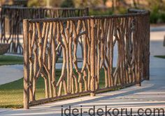40 Unique Garden Fence Decoration Ideas 3 – Home Design Backyard Fences, Garden Fencing, Garden Art, Fence Landscaping, Wattle Fence, Bamboo Fence, Hill Garden, Gabion Fence, Fence Planters