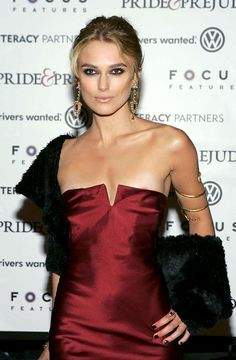 Keira Knightley Wearing A Calvin Klein Art Print by Everett. All prints are professionally printed, packaged, and shipped within 3 - 4 business days. Choose from multiple sizes and hundreds of frame and mat options. Beautiful Celebrities, Beautiful Actresses, Gorgeous Women, Top Celebrities, Celebs, Keira Knightley Hair, Keira Christina Knightley, Shoulder Length Hair, British Actresses