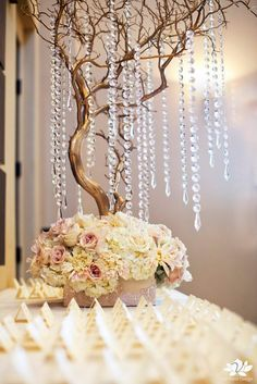 Gold manzanita centerpieces.  I think I'll do this for the cake table, seating card table and any other side tables...for gifts, etc...or if I need something at the buffet table...