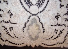 Vintage Madeira Embroidered Linen Lace Cutwork Runner & Placemat Set only a small faint stain on one placemat close up.