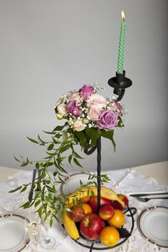 Aranjament de masa disponibil pe 123flori.ro Table Decorations, Furniture, Home Decor, Decoration Home, Room Decor, Home Furnishings, Home Interior Design, Dinner Table Decorations, Home Decoration