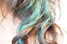 太陽光  全頭はアッシュ 光が当たるとすんごい色w. ラムちゃんカラー  本厚木 AIZU本店 担当 ミナミ  #本厚木 #本厚木美容室 #あいず #aizu #aizujapan #グリーン #green #ブルー #blue #派手カラー #ネイリスト #美容室 #外国人風カラー #ヘアサロン #hairsalon #hair #color #haircolor #ラムちゃん #うる星やつら #アッシュ