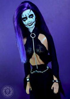 Barbie Symphonic Black metal.  Violeta ☠  Fotografía, Vestuario y Maquillaje: Kelly Dark Photography