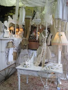 Cheryl's gorgeous booth at Antiques in Old Town in Georgia.  Wish I lived close so I could shop there!!!