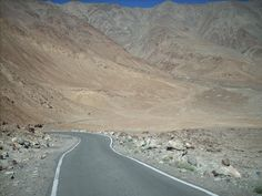 15 Places In India You Absolutely Must Explore On A Motorcycle  5. Leh to Tso Moriri Lake  I have heard stories about UFO sightings in Ladakh. Riding on this road, I think I can easily believe in them. The roads are empty even by Ladakh standards, there are no signs of life and the mountains keep on changing colours in a trippy way. Just the kind of place aliens would love to frequent.