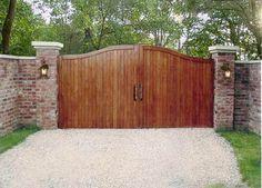 Finding Best Driveway Gates for Sale - Hof Driveway Gates For Sale, Aluminum Driveway Gates, Driveway Entrance, Gates For Driveways, Wood Driveway Gates, Fence Gate, Fencing, House Front Gate, Front Gates