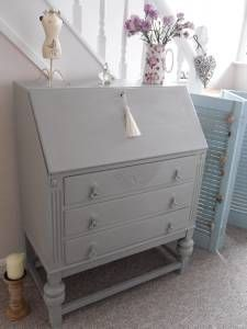 pictures of shabby chic dressers Vintage Shabby Chic, Shabby Chic Homes, Shabby Chic Decor, Desk Makeover, Furniture Makeover, Desk Revamp, Shabby Chic Ottoman, Writing Bureau, Country Furniture