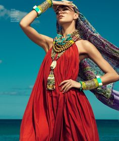 Barbara Fialho Models Beach Style for Harper's Bazaar Mexico by Danny Cardozo | Fashion Gone Rogue: The Latest in Editorials and Campaigns Boho Chic, Bohemian Style, Ethnic Chic, Tribal Style, Boho Gypsy, Foto Fashion, Beach Fashion, Style Fashion, Fashion Beauty