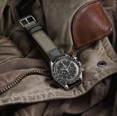 Fossil Leather Watch, Leather Watch Bands, Vintage Watches For Men, Luxury Watches For Men, Omega Speedmaster, Watch Straps, Beautiful Watches, Business Fashion, Italian Leather