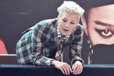 G-Dragon (Kwon Ji Yong ) ♡ #BIGBANG - Handshake Event 130915