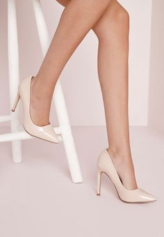 Pointed nude pumps with stiletto heels - Shoes - High heels - Missgui . Nude High Heels, Nude Shoes, Lace Up Heels, Shoes Heels, Nude Pumps, Gold Bridesmaid Shoes, Extreme High Heels, Basket Mode, Beautiful High Heels