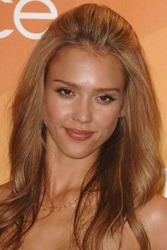 Jessica Alba hair: Transforming tresses