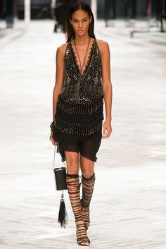 Guarda le foto di passerella e dei backstage di Joan Smalls su Vogue.it.