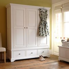 The biggest freestanding wardrobe is the triple wardrobe. A triple wardrobe is a type of furniture designed to hold clothing. Wardrobe Boxes, Wardrobe Furniture, Bedroom Furniture Design, Bedroom Wardrobe, White Furniture, Home Decor Furniture, Home Bedroom, Painted Furniture, Bedroom Decor