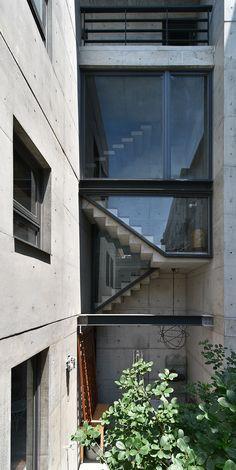 Visions of an Industrial Age // BrownMist House / H2O Design Associates (https://www.facebook.com/H2O.Design.Associates)