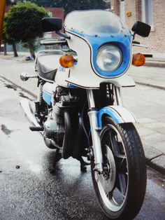 Suzuki GS 1000S  Wes cooley Replica