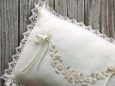 This precious wedding rings pillow makes a memorable keepsake. Also, makes a great gift for the bride. Hand Embroidery Patterns Free, Embroidery Leaf, Wedding Embroidery, Tiffany Wedding Rings, Wedding Rings For Women, Ring Pillow Wedding, Wedding Pillows, Wedding Band, Traditional Wedding Rings