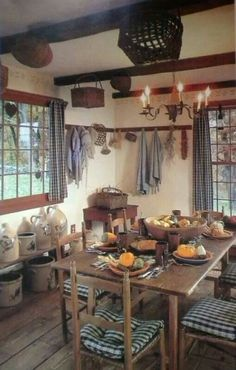 country homes and land - Primitive homes - Primitive Homes, Primitive Dining Rooms, Country Dining Rooms, Primitive Kitchen, Primitive Furniture, Primitive Country, Primitive Autumn, Country Farmhouse, Country Living