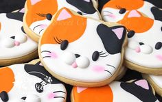 Looks like Circe! Cat Cookies, Cupcake Cookies, Cat Cupcakes, Super Cookies, Fancy Cookies, Cookie Icing, Royal Icing Cookies, Macarons, Cookie Designs
