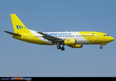 Boeing 737-3Q8 (QC)