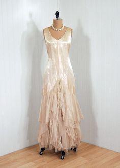 Beautiful Love the color.. Wow...1920s dress via Timeless Vixen Vintage