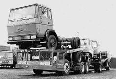 Four DAF trucks transported simultaneously on the innovative truck transporter by De Rooij transportation. / Vier DAF trucks tegelijk vervoerd op de innovatieve truck transporter van De Rooij transport.