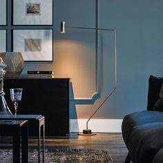 thor | lamps - Floor lamp with frame in satin bronze steel (15) and matt black (OP17) painted steel base. Bulb not included.