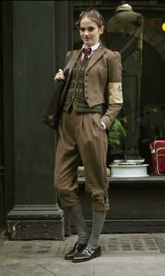 Tweed run. fairisle, tweed, knickerbockers Pinned this for some inspiration for a steampunk sherlock XD