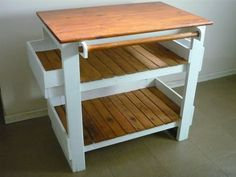 Original Chef Pallet Kitchen Island Table Chef kitchen island table made from repurposed wooden pallets! Pallet Desk, Pallet Furniture, Kitchen Furniture, Pallet Tables, Pallet Benches, Pallet Cabinet, Pallet Couch, Pallet Patio, Pallet Bar