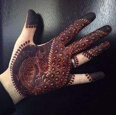 Beautiful Mehndi Design - Browse thousand of beautiful mehndi desings for your hands and feet. Here you will be find best mehndi design for every place and occastion. Quickly save your favorite Mehendi design images and pictures on the HappyShappy app. Henna Hand Designs, Peacock Mehndi Designs, Pakistani Mehndi Designs, Simple Arabic Mehndi Designs, Mehndi Designs 2018, Modern Mehndi Designs, Wedding Mehndi Designs, Beautiful Henna Designs, Mehndi Designs For Hands