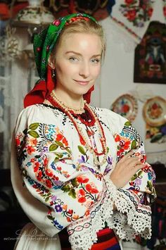 Women from Ukraine and Russia are looking for good, honest and reliable men like you! Folk Fashion, Ethnic Fashion, Ukraine, Folk Costume, Costumes, Romanian Women, Hippy Chic, Folk Embroidery, World Cultures
