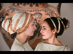 Greeks used simple tools and techniques to put their hair into buns, using wraps, ribbons and wreaths to decorate their hair. Grecian Hairstyles, Roman Hairstyles, Cool Hairstyles, Santorini, Ancient Greek Clothing, Historical Hairstyles, Greek Fashion, Business Hairstyles, Hair Today
