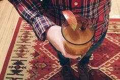 Apple cider ginger hot toddy Tomato Vine, Hot Toddy, Apple Cider, Lifestyle Blog, Vintage, Vintage Comics