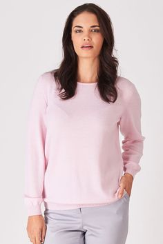 The perfect easy to wear jumper that is comfortable and a flattering shape with ribbed cuffs and bands. Made of high quality Supersoft Extra Fine Merino. Proudly made in New Zealand by Royal Merino. Classic Style, Knitwear, Jumper, Cuffs, Bands, How To Make, How To Wear, Crew Neck, Shape