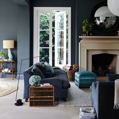Perfect Navy Blue Living Room with Best 25 Navy Living Rooms Ideas On Home Decor Navy Blue Living 16264 is one of photos of Living Room ideas for your hous Cream Living Rooms, Grey Walls Living Room, Navy Blue Living Room, Living Room With Fireplace, Living Room Paint, Room Color Schemes, Room Colors, Paint Colours, Decor Inspiration