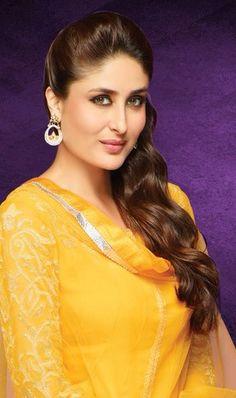 Bollywood Stars, Bollywood Fashion, Indian Celebrities, Bollywood Celebrities, Bollywood Actress, Kareena Kapoor Khan, Beautiful Indian Actress, Beautiful Actresses, Karena Kapoor
