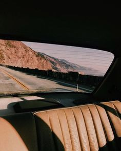source: unknown ✰ re-pinned by: theboynxtdoor ☾ #travel #adventure #inspiration Baby Driver, Road Trip Film, Flower Children, Film Photography, Nostalgia Photography, Travel Photography, Aesthetic Vintage, 80s Aesthetic, Seat View