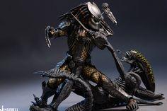 AVP: Scar Predator Collectible Figure