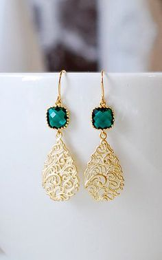 Emerald Green Earrings Gold Filigree Drop Earrings