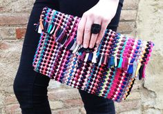 Sewing Crafts To Make and Sell - DIY Rug Clutch - Easy DIY Sewing Ideas To Make and Sell for Your Craft Business. Make Money with these Simple Gift Ideas, Free Patterns, Products from Fabric Scraps, Cute Kids Tutorials Sewing To Sell, Love Sewing, Crafts To Make And Sell, Sell Diy, Easy Sewing Projects, Sewing Crafts, Sewing Ideas, Best Leather Wallet, Diy Clutch