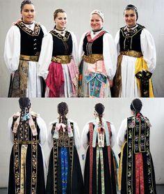 German traditional dress: from South Transylvania #Siebenbürgen Hermannstädter Gegend-Siebenbürgen
