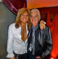 vergeofbliss: From last night…Jimmy was at the Whitesnake concert David Coverdale and Jimmy Page Country Girl Quotes, Country Girls, Girl Sayings, Whitesnake Band, Rock Music, My Music, David Coverdale, Fake Smile Quotes, Musica