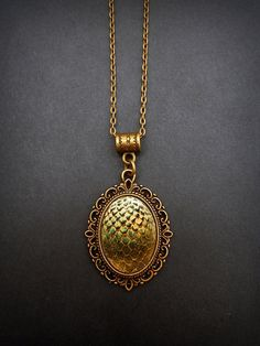 Game of Thrones Dragon's Egg Necklace. Once my printer starts working again this is mine :3